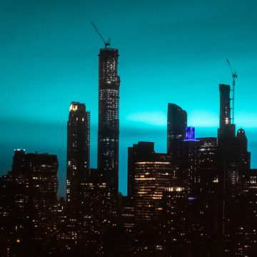 Flashes of blue light in New York skies cause alien panic