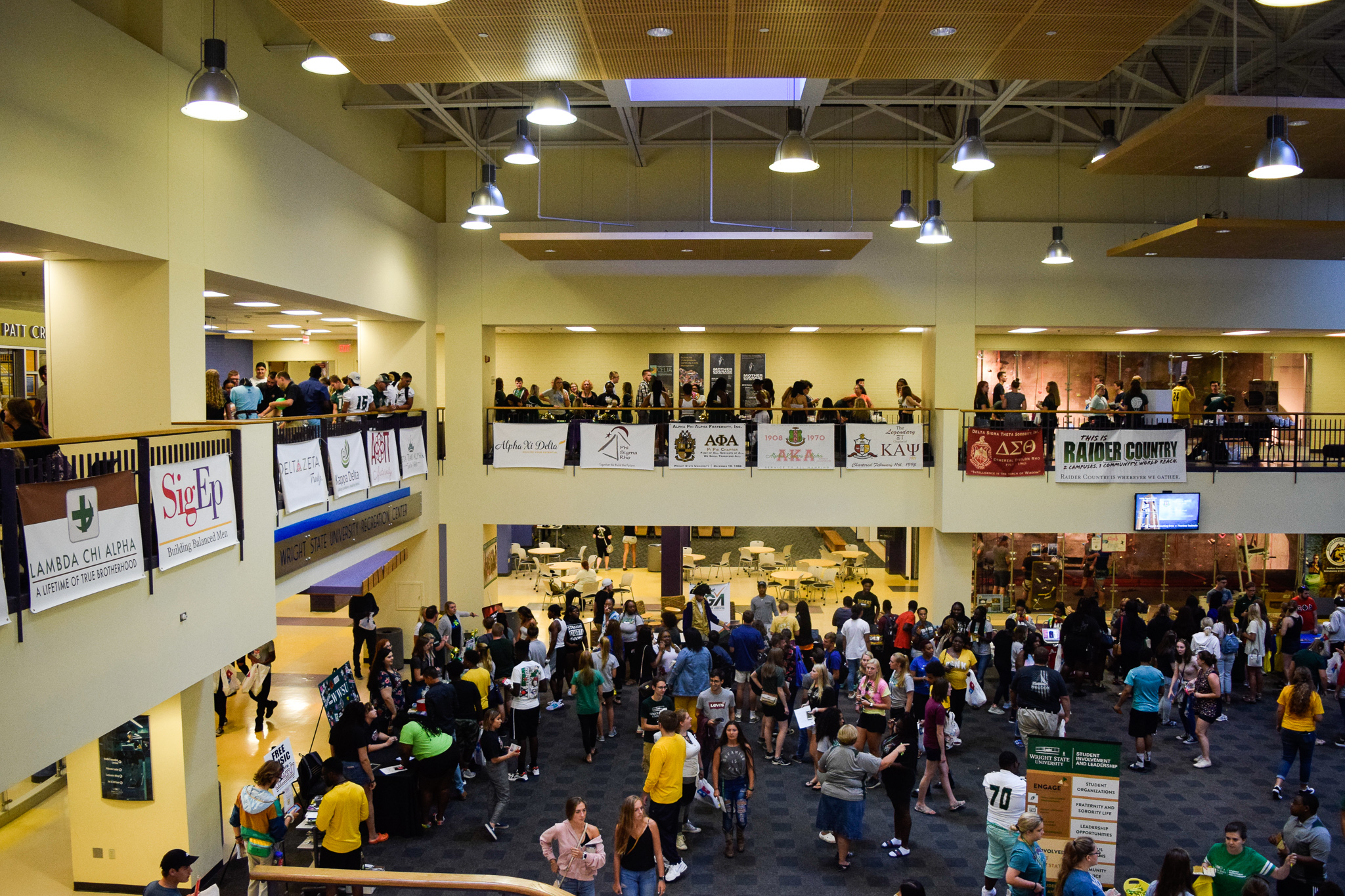 Student organizations at Do the U | Photo by Jessica Fugett | The Wright State Guardian