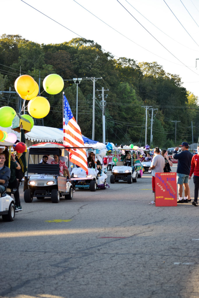 Festival of Flight Golf Cart Parade | Photo by Jessica Fugett | The Wright State Guardian